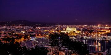 Palma-de-Mallorca-Castell-de-Bellver-Abend-Nacht-8-360x180