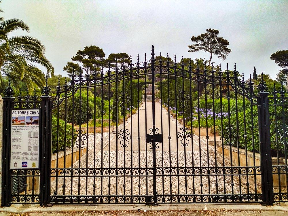 Mallorca-Cala-Ratjada-Villa-March-Eingang
