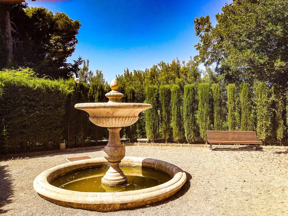 Mallorca-Cala-Ratjada-Villa-March-Park-Brunnen-Park