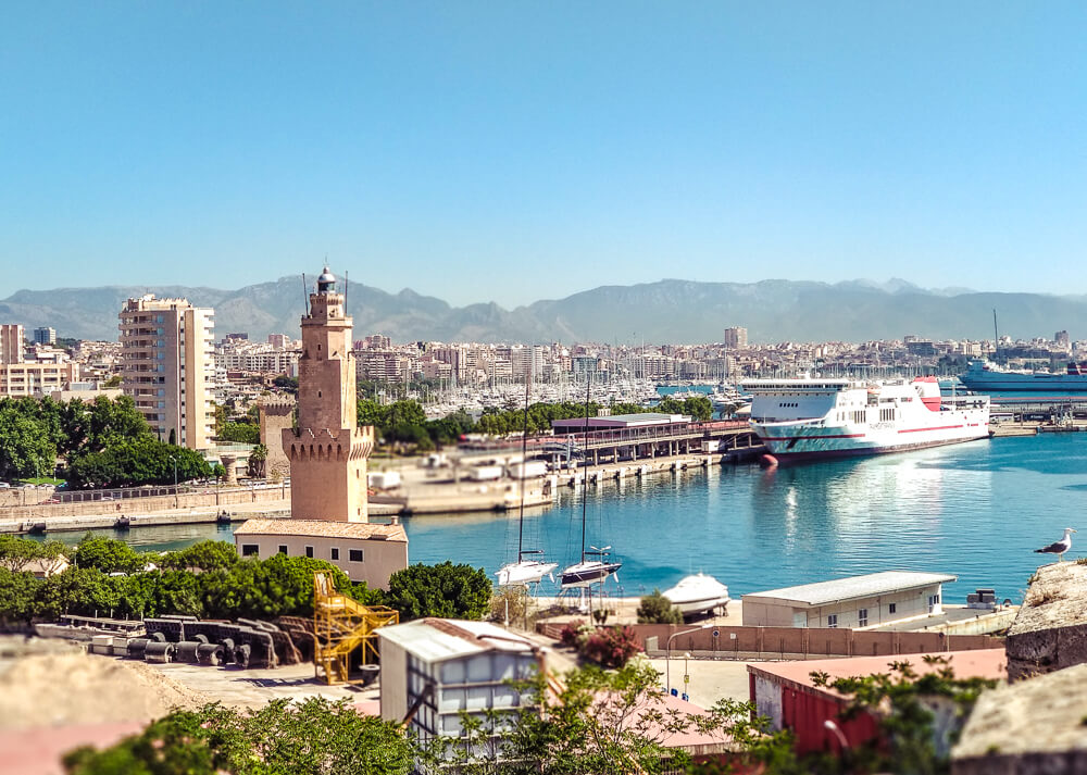 Palma-de-Mallorca-Militaermuseum-Hafen-Wachturm