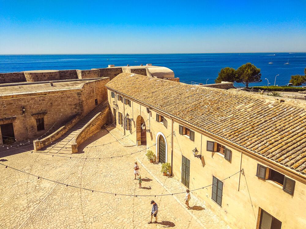 Palma-de-Mallorca-Militaermuseum-Innenhof