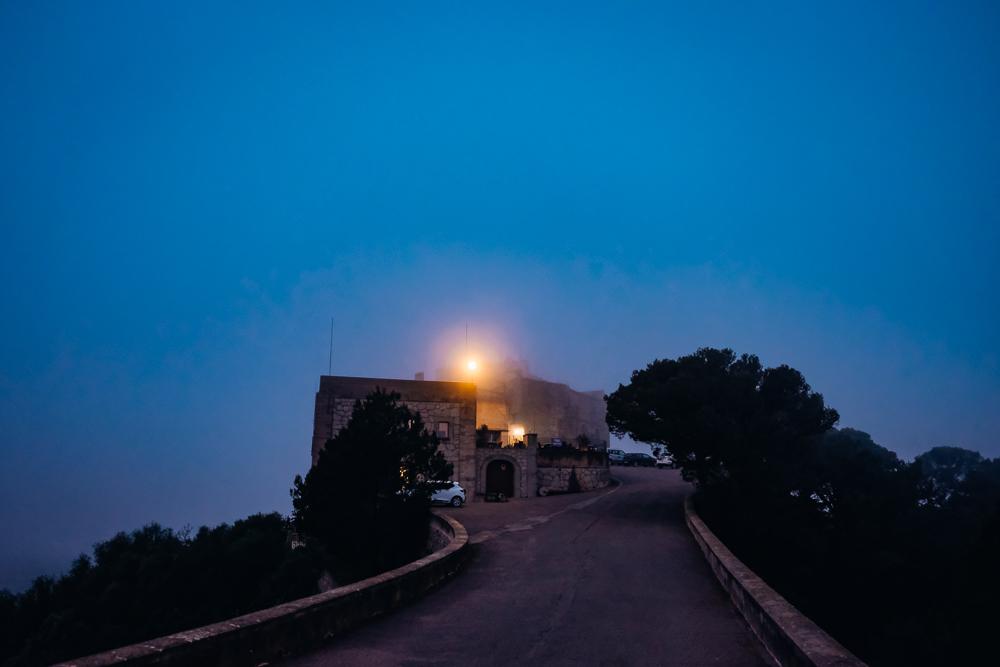 Mallorca-Santuari-de-Sant-Salvador-Sonnenaufgang-Nebel-10