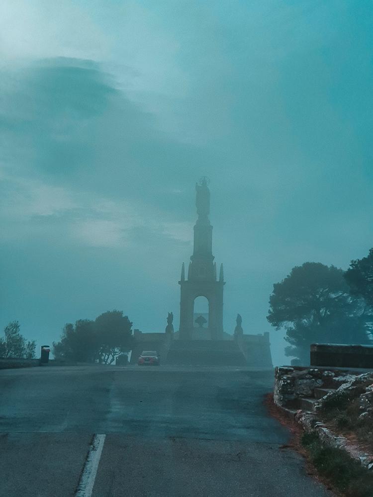 Mallorca-Santuari-de-Sant-Salvador-Sonnenaufgang-Nebel-3