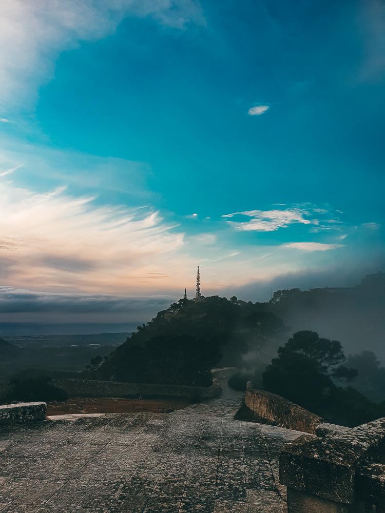 Mallorca-Santuari-de-Sant-Salvador-Sonnenaufgang-Nebel-8