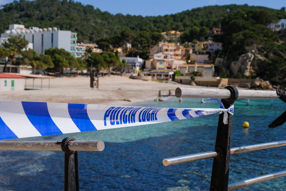 Mallorca-Camp-de-Mar-Strand-abgesperrt-Polizei
