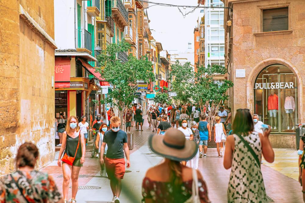 Mallorca-Palma-Touristen-Maske-Corona