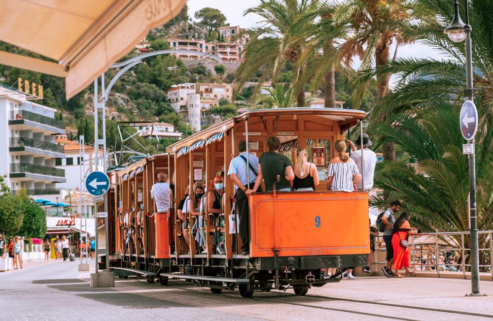 Mallorca-Port-de-Soller-Roter-Blitz