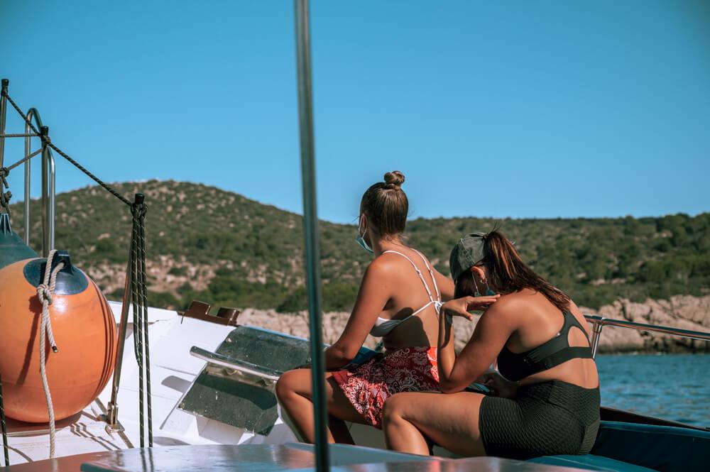 Mallorca-Touristen-Boot-Dragonera-Maske-Corona